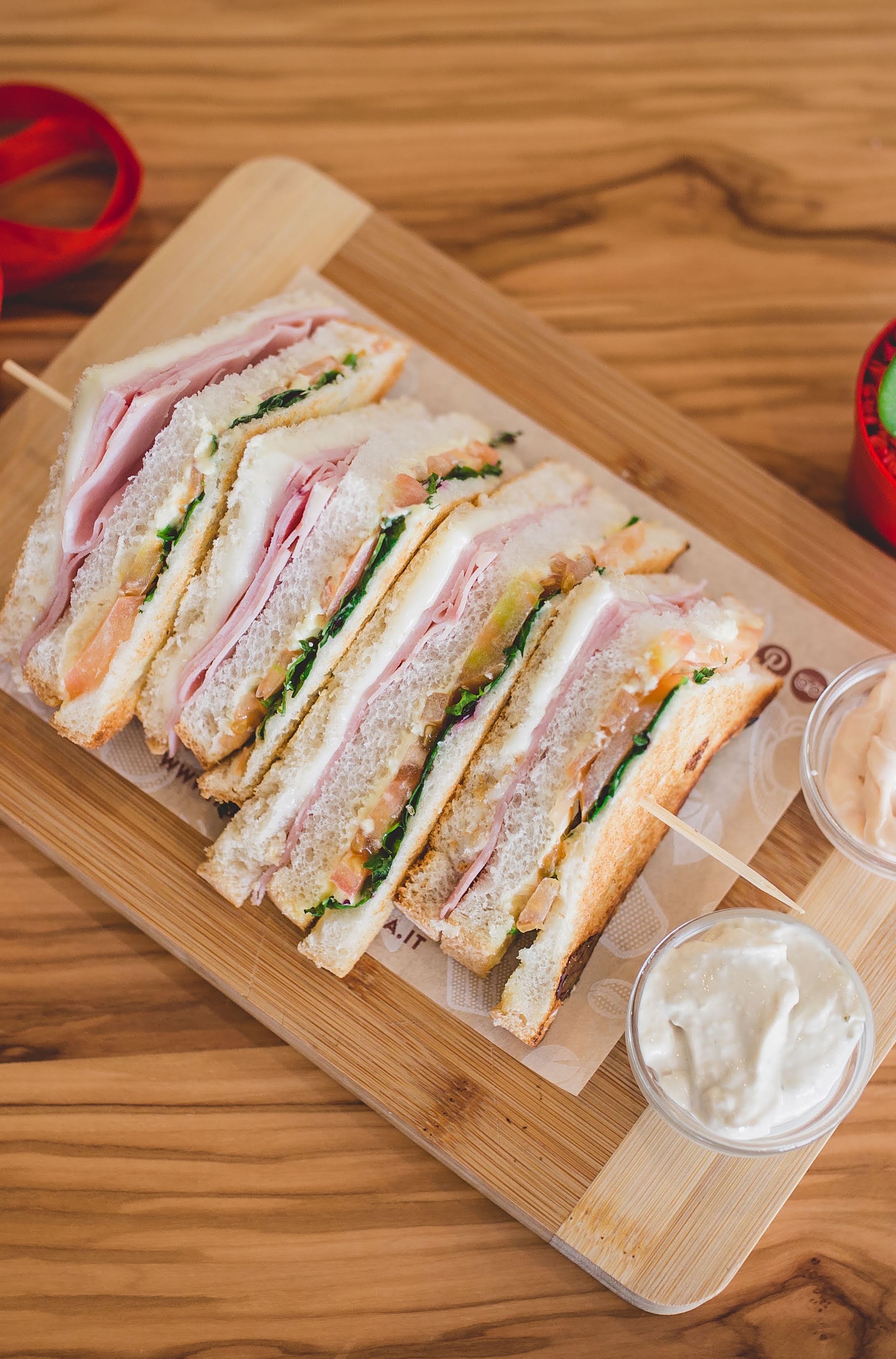 NON SOLO DOLCE A SAN VALENTINO… CLUB SANDWICH DA GUSTARE IN MERAVIGLIOSA SOLITUDINE!