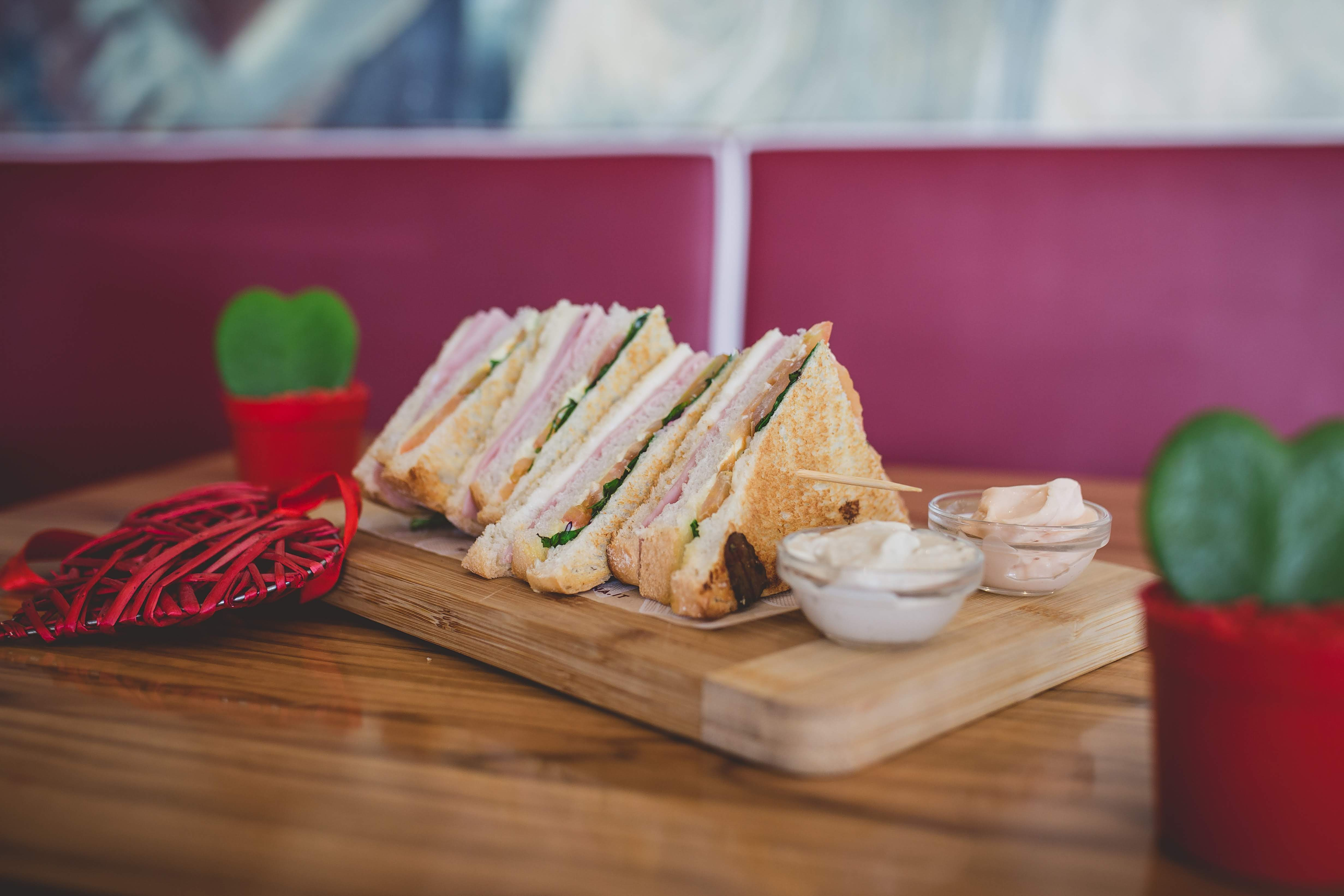 toasteria italiana club sandwich san valentino 2